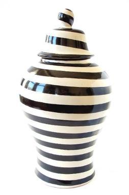 Emilia Ceramics Small Pottery Ginger Jar in Black and White